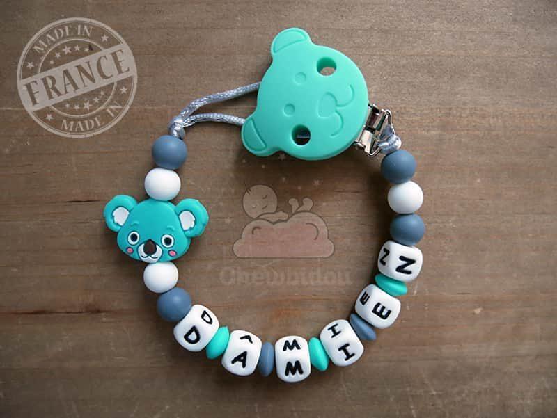 porte sucette prénom garçon modèle koala turquoise et gris foncé modèle damien