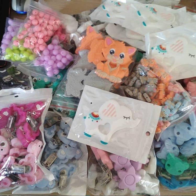 plus de 10000 perles en silicone disponible pour la fabrication d'attache tétine personnalisée