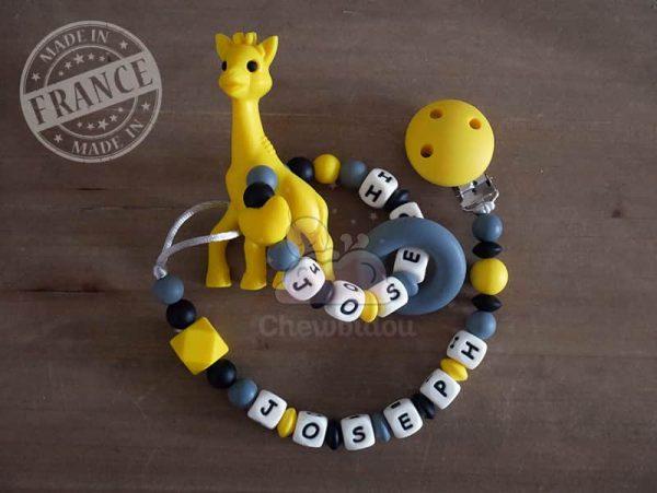 attache et hochet personnalise silicone girafe joseph