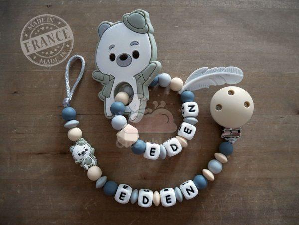 pack naissance personnalisé attache tétine et hochet ourson gris et beige