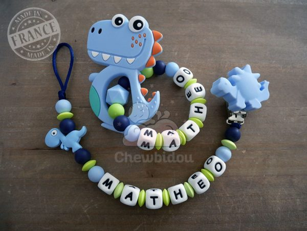 kit bébé naissance avec jouet dinosaure