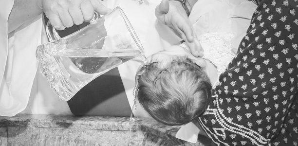 Quel cadeau de baptême offrir à bébé